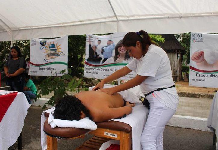 Los egresados adquieren el conocimiento de las zonas del cuerpo, la función de los músculos y huesos. (Redacción/SIPSE)