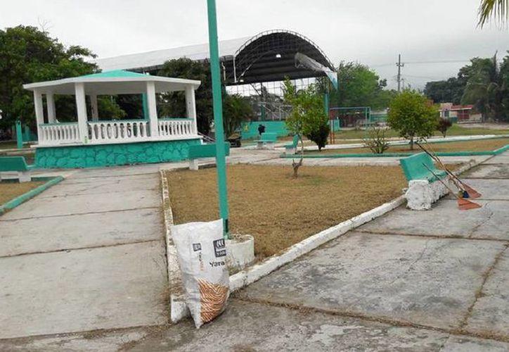 Realizaron un programa de bacheo en la Alcaldía. (Edgardo Rodríguez/ SIPSE)