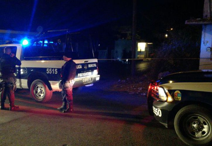 El sujeto fue encontrado con una herida en el cuello. (Foto: Redacción)