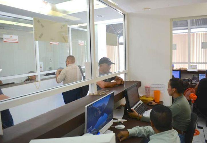 Los trabajadores recibirán las prestaciones a partir del 15 de diciembre. (Daniel Tejada/SIPSE)