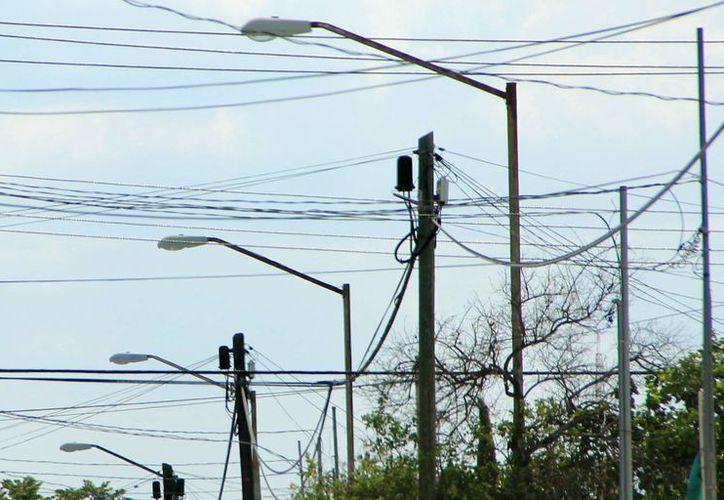 El caso de las luminarias sigue generando tela de dónde cortar. (SIPSE/Archivo)