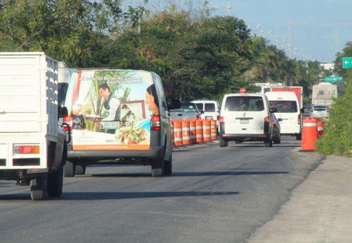 Vehículos pesados que cruzan por el puente,  han generado mucho caos vial. (Foto: Adrián Barreto)