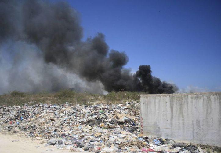 El monóxido de carbono es un gas inodoro e incoloro que puede afectar los ojos y el sistema pulmonar. (Harold Alcocer/SIPSE)