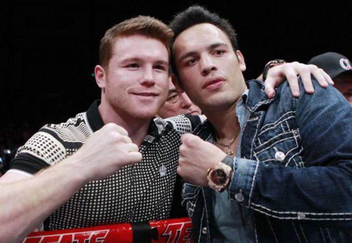 Los boxeadores, que se enfrentarán el seis de mayo, pasaron seis controles antidopaje. (Foto: Contexto/Internet)