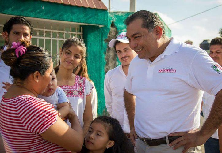 Mérida tiene que ser gobernada como lo que es: una ciudad cercana al millón de habitantes, darle nueva dirección: Víctor Caballero Durán, candidato del PRI. (SIPSE)