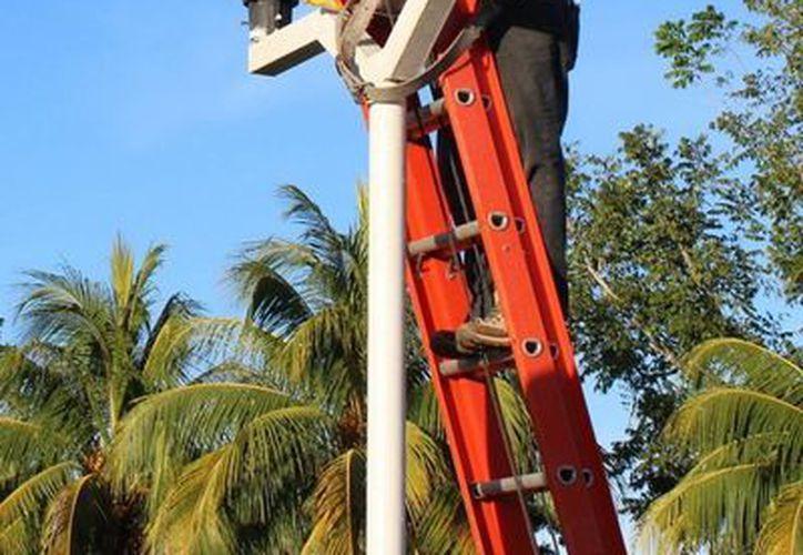 Para la construcción de la línea de red eléctrica se invertirán siete millones 404 mil 760 pesos. (Javier Ortiz/SIPSE)