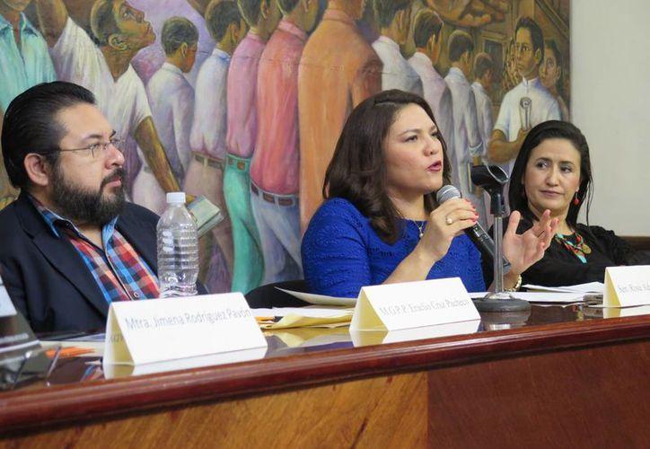 Hace unos días se presentó en Mérida el libro 'Mujeres en la política: espacios de participación'. (SIPSE)