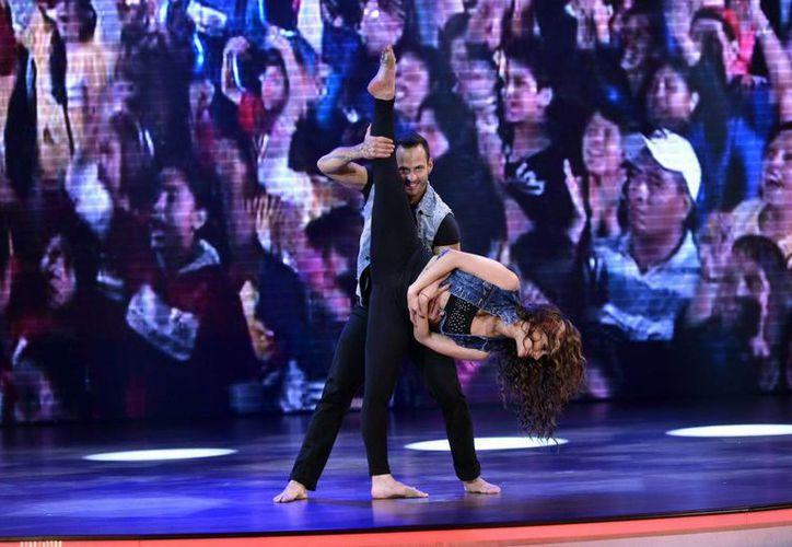 La actriz expresó que el programa es un reto por los estilos de baile. (SIPSE)