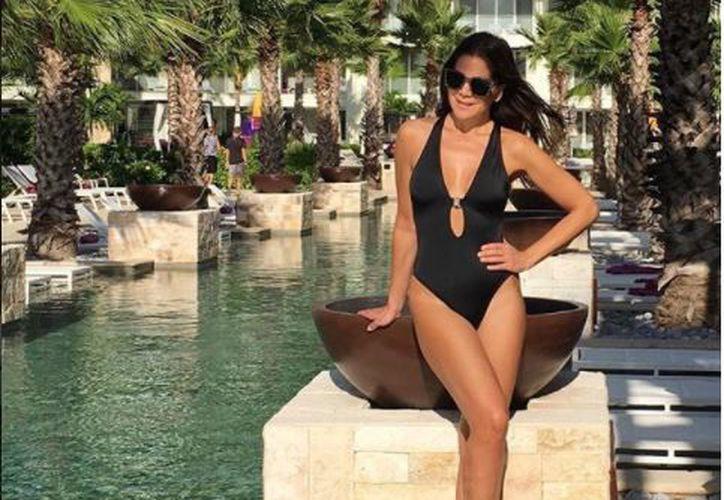 Vielka posó en traje de baño en el hotel Breathless Riviera Cancún. (Foto: Instagram)
