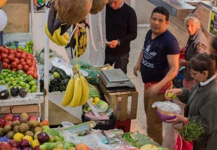 El desperdicio de alimentos le cuesta a México 25 millones de dólares al año. (Cuartoscuro)