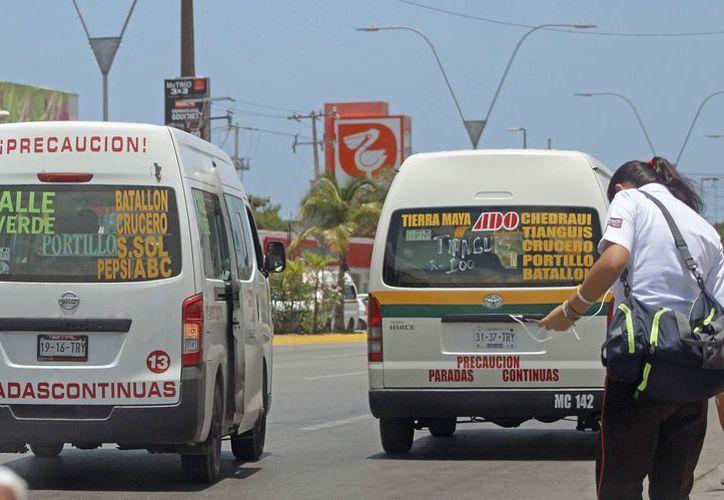Proponen instalación de cámaras en las combis de transporte público. (Jesús Tijerina/SIPSE)