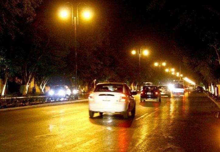La Conuee se encarga de vigilar que las lámparas que se usan en los sistemas de alumbrado público del país cumplan con la Norma Oficial Mexicana y generen un uso eficiente de la energía. (SIPSE/Archivo)