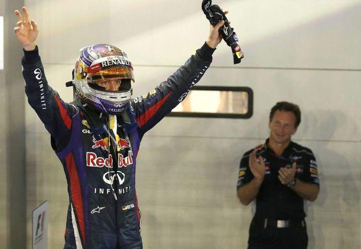 El alemán tardó casi 2 horas en dar las 61 vueltas del circuito. (EFE)