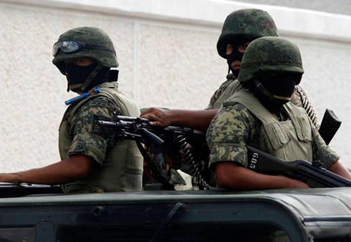 La Comandancia de la 34/a Zona Militar, implementará la campaña de donación de armas de fuego 2013. (Archivo/SIPSE)