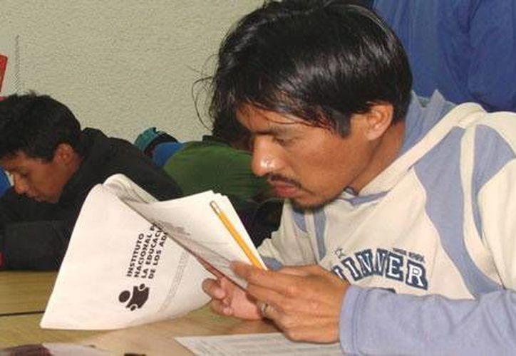 Dan oportunidad para concluir la educación básica. (Archivo/SIPSE)