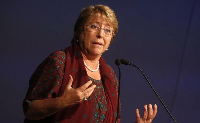 """Michelle Bachelet sentenció que """"con crímenes de lesa humanidad no se negocia"""", al hablar sobre la propuesta del general Manuel Contreras. (EFE/Archivo)"""