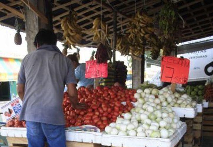 Comerciantes se recuperan en Semana Santa con alza de precios. (Harold Alcocer/SIPSE)