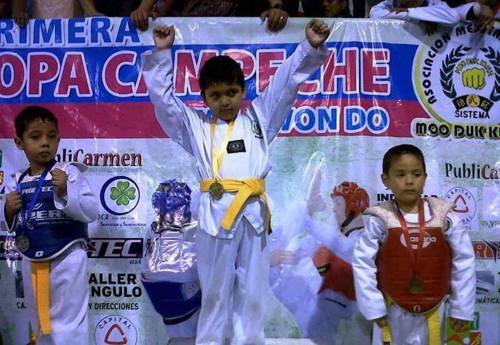 Antonio Santos ganó oro y plata. (Milenio Novedades)