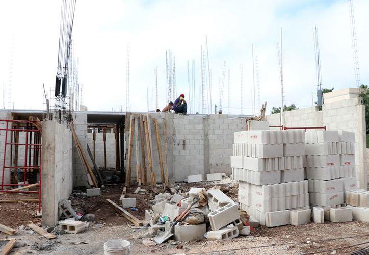 El sector constructor genera importantes fuentes de empleo en Yucatán. (Foto: Milenio Novedades)