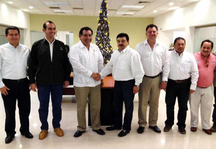 Integrantes de la Comisión Interestatal de Vigilancia de Yucatán y Campeche se reunieron para regular la pesca entre los dos estados. (Milenio Novedades)