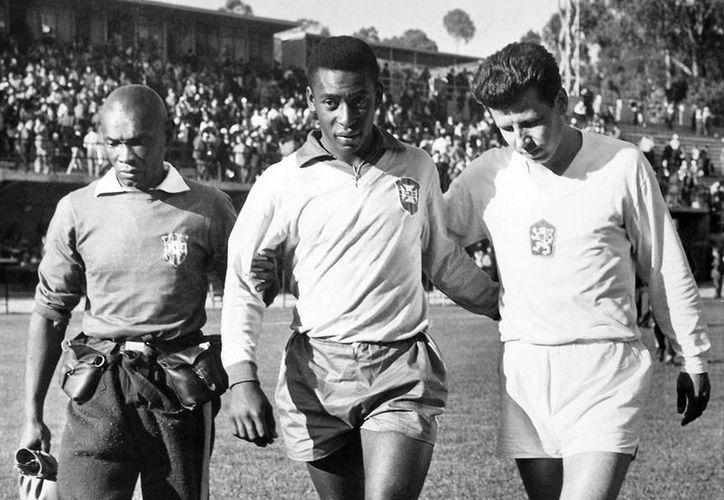 En 1962, aunque Brasil perdió a Pelé en medio de un Mundial, se consagró campeón de la justa futbolera. (AP)