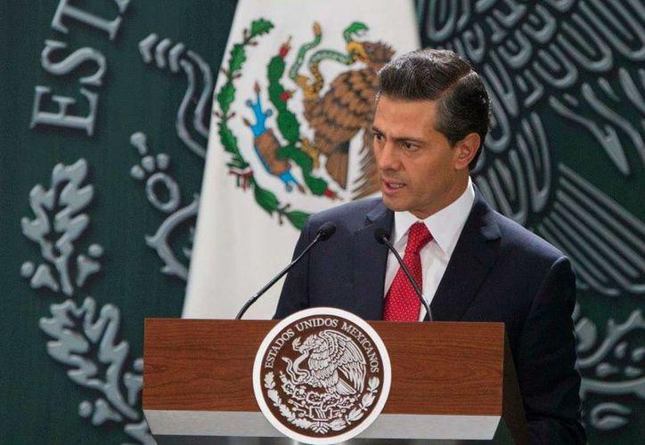 El presidente Enrique Peña Nieto presentó los reglamentos de la Reforma Energética. (facebook.com/EnriquePN)