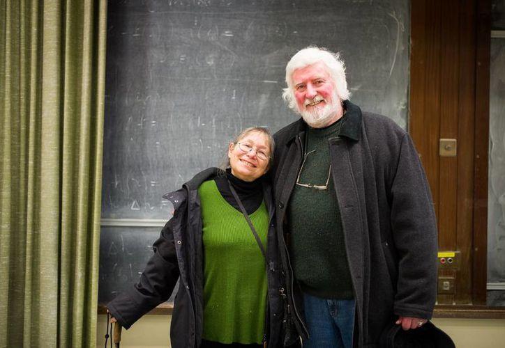 Sunny Jacobs, de 68, se salvó de la silla eléctrica y Peter Pringle, de 77 años, iba a ser ahorcado. (petersfraserdunlop.com)