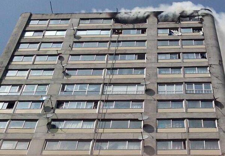 A causa del incendio, algunas personas tuvieron crisis nerviosas. (Twitter: @SecretariaPC)