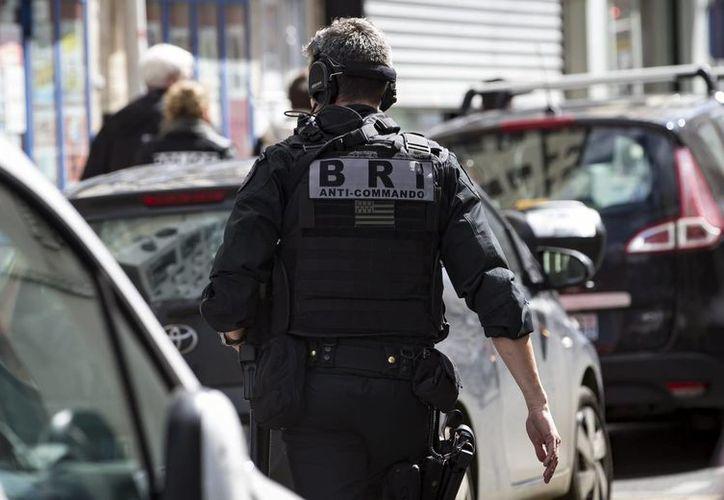 La policía llegó al lugar del ataque y acordonó la zona para dar inicio a las investigaciones. (Archivo/EFE)
