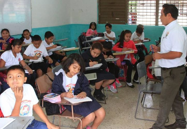 Docentes señalaron que la subsecretaría de Educación Básica y de Planeación no consideraron el crecimiento del ciclo escolar. (Joel Zamora/SIPSE)
