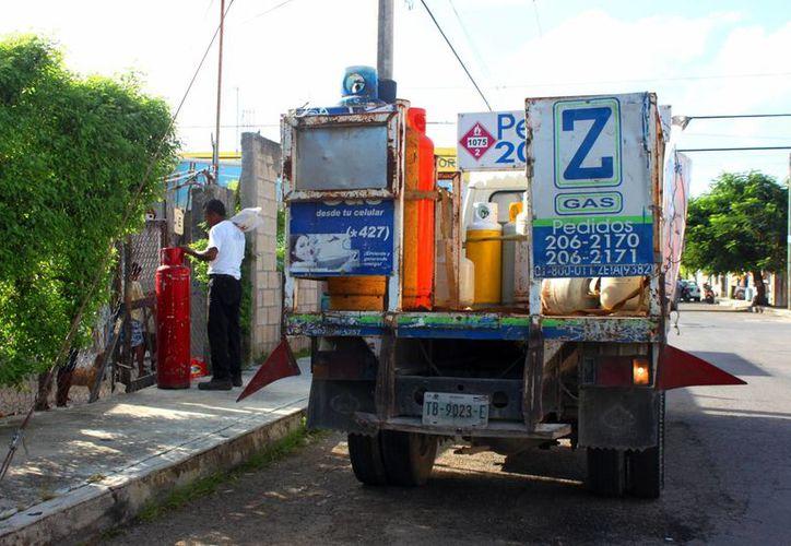Se espera una multa desde 250 pesos, que se aplicarían a las empresas inmovilizadas. (Octavio Martínez/ SIPSE)