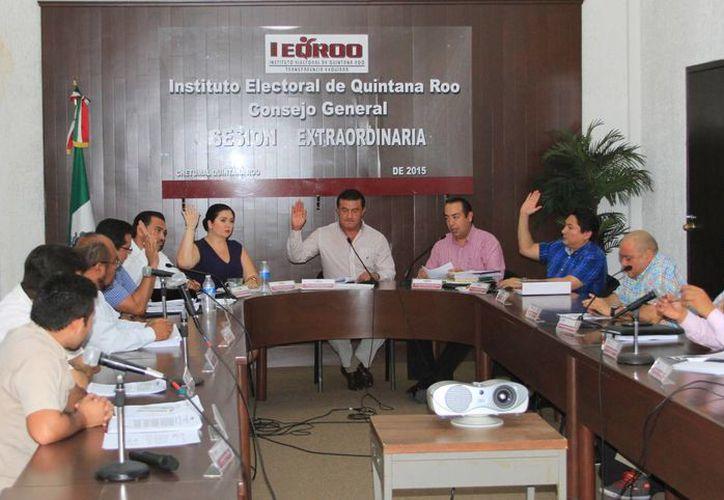 En sesión extraordinaria, el Consejo General aprobó un proyecto de presupuesto para 2016 por un monto total de 259 millones 297 mil 783 pesos. (Ángel Castilla/SIPSE)