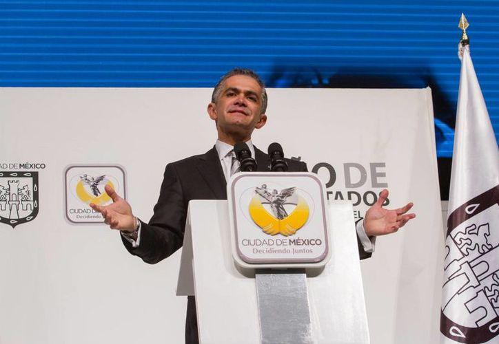 Mancera dijo que en un año de gestión se logró mejorar un 20% de las vialidades de la Ciudad de México. (Notimex)