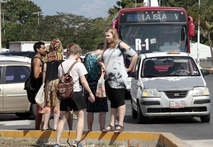 El 80% de los rusos que vienen a México lo hacen por motivo de vacaciones. (Tomás Álvarez/SIPSE)