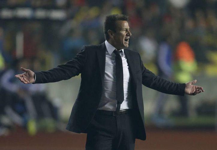 """Carlos Caetano Bledorn """"Dunga"""" seguirá al frente de la selección brasileña, comentó el presidente de la CBF, Marco Polo del Nero. (AP)"""