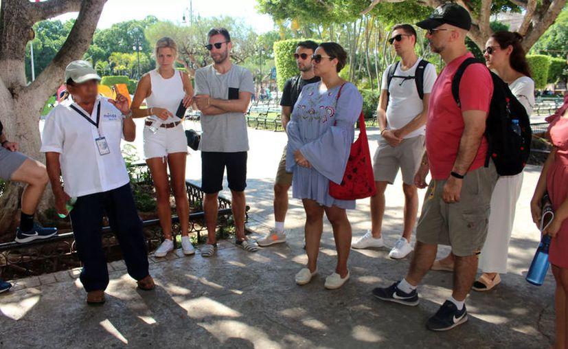 """Consideran que el oficio del guía de turista es """"frágil"""" ya que cualquier situación afecta el flujo de personas. (Foto de archivo/Novedades Yucatán)"""