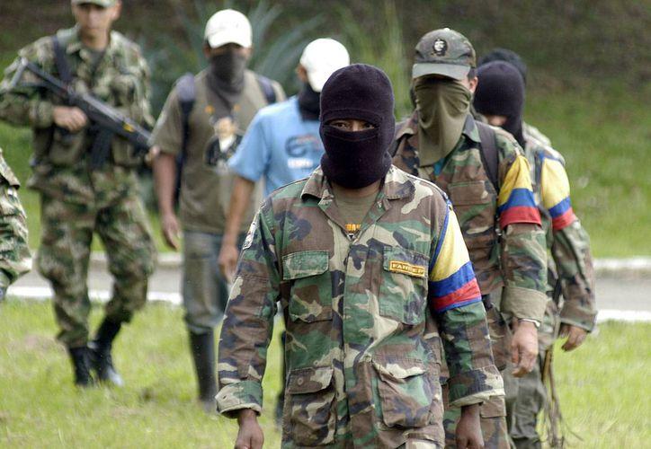 El recuento de las víctimas del conflicto colombiano tiene por objetivo acelerar las negociaciones con el gobierno. (Archivo/AP)