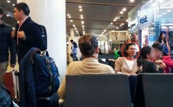 La esposa de Javier Duarte, Karime Macías, fue captada en Colombia mientras esperaba un vuelo a Londres. (Proceso)