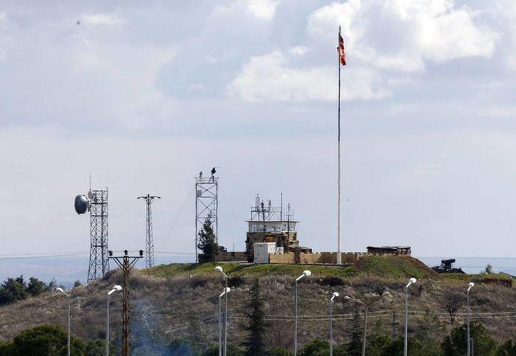 Imagen de la frontera turco-siria, en la localidad de Kilis, Turquía. (EFE/Archivo)