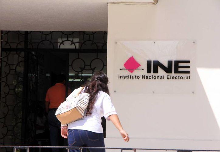 El INE multó por diversos conceptos y por diversas faltas a los diez partidos políticos que participaron en la contienda electoral 2014-2015. (Foto de contexto de Milenio Novedades)
