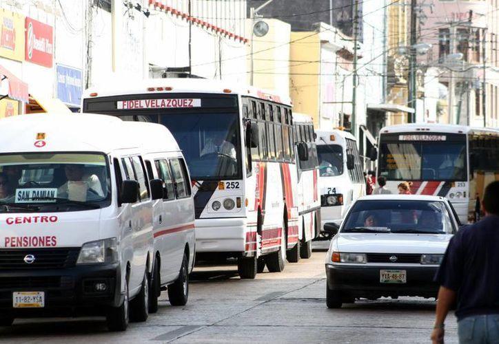 El nuevo sistema integral del transporte urbano de Mérida implica también obras públicas como pavimentación, construcción de paraderos y semaforización, entre otras acciones. (Milenio Novedades/Archivo)