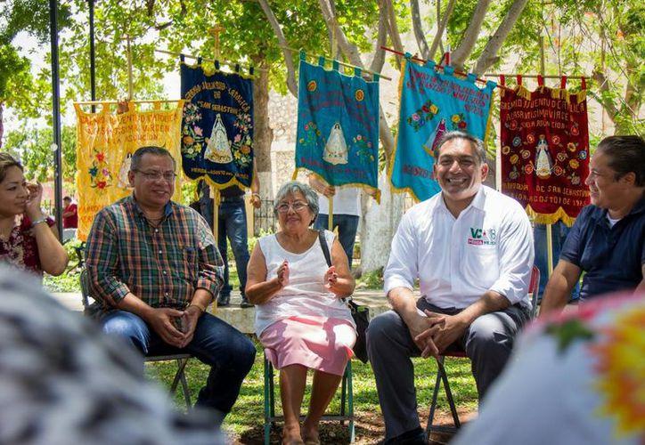 El candidato de la coalición Todos por México resaltó el colorido, tradición comunitaria y el arraigo de esta festividad emblemática de los meridanos. (Milenio Novedades)
