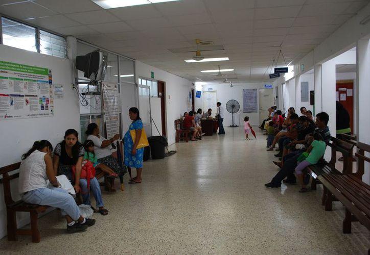 Durante el período vacacional habrá guardias médicas para atender a los pacientes. (Tomás Álvarez/SIPSE)