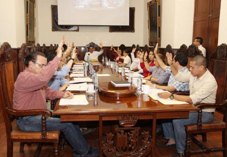 El Cabildo meridano autorizó también donar a la Cruz Roja Mexicana la cantidad de 50,000 pesos. (SIPSE)