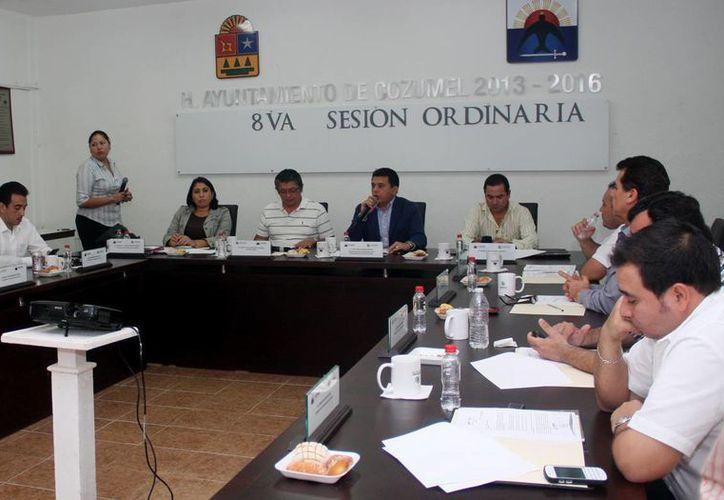 La propuesta fue presentada durante la Octava Sesión Ordinaria de Cabildo en Cozumel. (Cortesía/SIPSE)