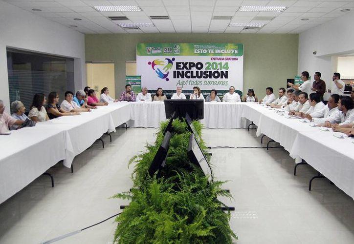 El Gobierno y la sociedad civil presentaron el programa de actividades de la Expo Inclusión 2014 en el Centro de Convenciones Siglo XXI. (Milenio Novedades)