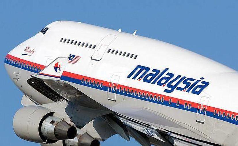 El vuelo lleva además 12 personas que integran la tripulación. (malaysiaairlinesgiare.com)