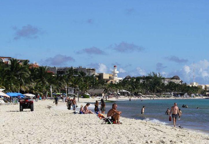 El turismo en la zona costera es inestable debido a que hay tanto días con sol como con lluvia. (Adrián Barreto/SIPSE)
