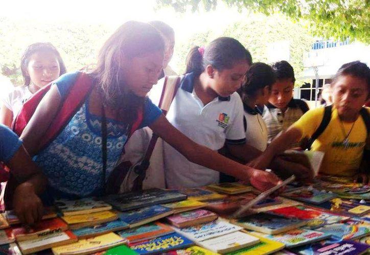 La iniciativa Libros Libres festejará su primer aniversario en el parque La Ceiba de Playa del Carmen. (Octavio Martínez/SIPSE)