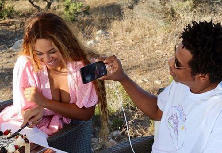 La edad de Beyoncé se ha puesto en duda tras un rumor que se difunde en la web. (Instagram/@beyonce)